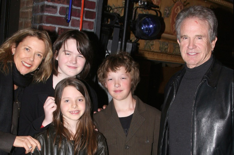 (EXCLUSIVE, Premium Rates Apply) Annette Bening (left), Warren Beatty (right) with children Kathlyn, Benjamin and Isabel *EXCLUSIVE* (Photo by Bruce Glikas/FilmMagic)
