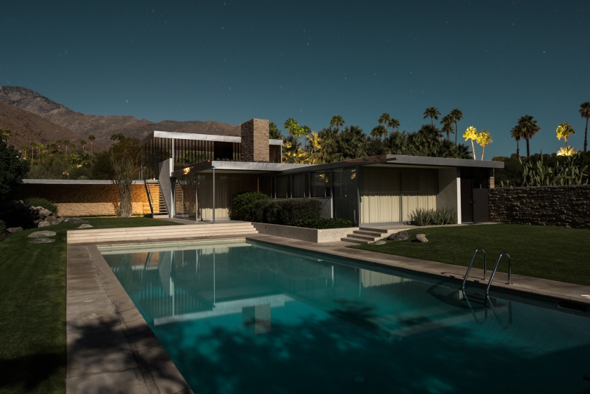 Kaufmann Desert House, designed by Richard Neutra in 1946 (Midnight Modern by Tom Blachford, published by powerHouse Books)