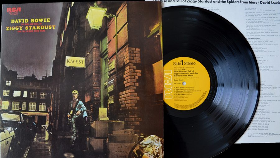 http://www.rockstuff.co.nz/wp-content/uploads/2015/05/David-Bowie-The-Rise-And-Fall-Of-Ziggy-Stardust-And-The-Spiders-From-Mars-Jap-Vinyl.jpg