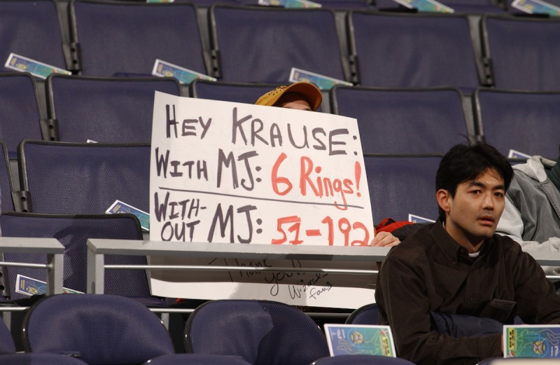 4 Jan 2002: A Washington Wizards fan holds a sign directed at the Chicago Bulls GM Jerry Krause prior to a game at the MCI Center in Washington, D.C.DIGITAL IMAGE NOTE TO USER: User expressly acknowledges and agrees that, by downloading and/or using this Photograph, User is consenting to the terms and conditions of the Getty Images License Agreement. Mandatory copyright notice: copyright 2002 NBAE Mandatory credit: Mitchell Layton/NBAE/Copyright 2001