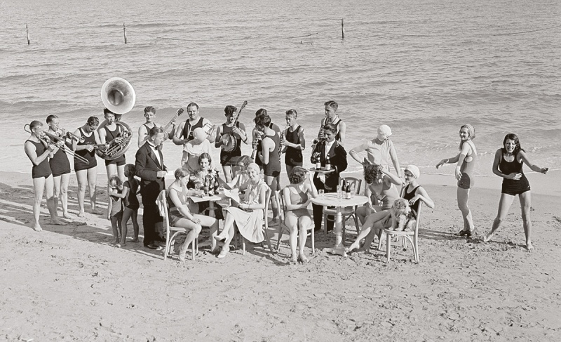 Jazz party in Miami Beach, 1930. (Bettmann Archive/Getty Images)