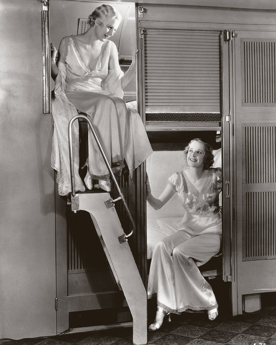 Pullman sleepers with closable berths, 1934 (Bettmann Archive/Getty Images)