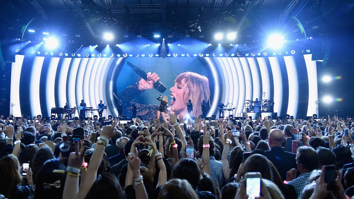HOUSTON, TX - FEBRUARY 04:  Musician Taylor Swift performs onstage during the 2017 DIRECTV NOW Super Saturday Night Concert at Club Nomadic on February 4, 2017 in Houston, Texas.  (Photo by Kevin Mazur/Getty Images for DIRECTV)