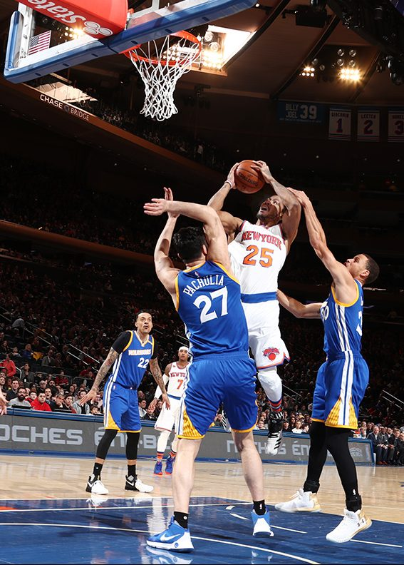 Madison Square Garden Gives Knicks Players, Fans the Silent