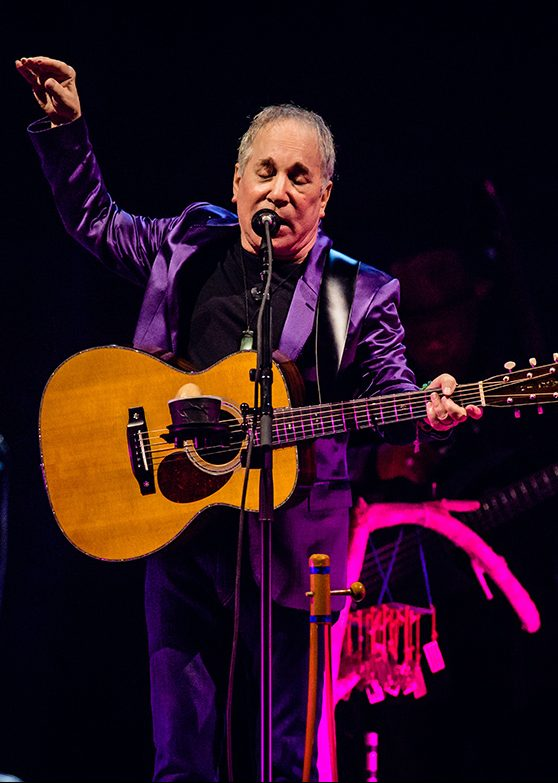 BERLIN, GERMANY - OCTOBER 20:  Singer-songwriter Paul Simon performs live on stage during a concert at Tempodrom on October 20, 2016 in Berlin, Germany.  (Photo by Stefan Hoederath/Redferns)