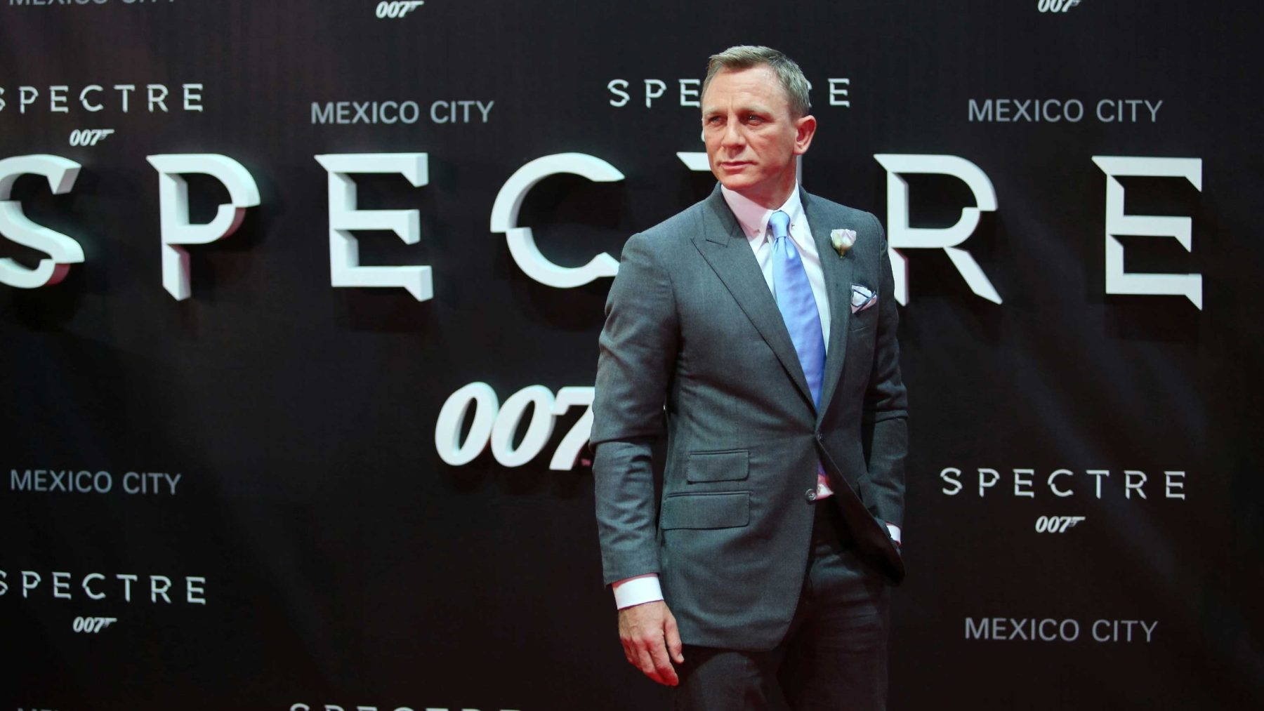 Daniel Craig attends the red carpet of the 'Spectre' film Premiere at Auditorio Nacional on November 02, 2015 in Mexico City, Mexico. (Getty)