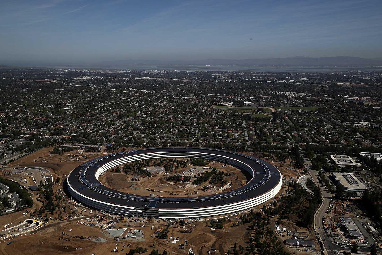 How Jony Ive Designed the New Apple Park