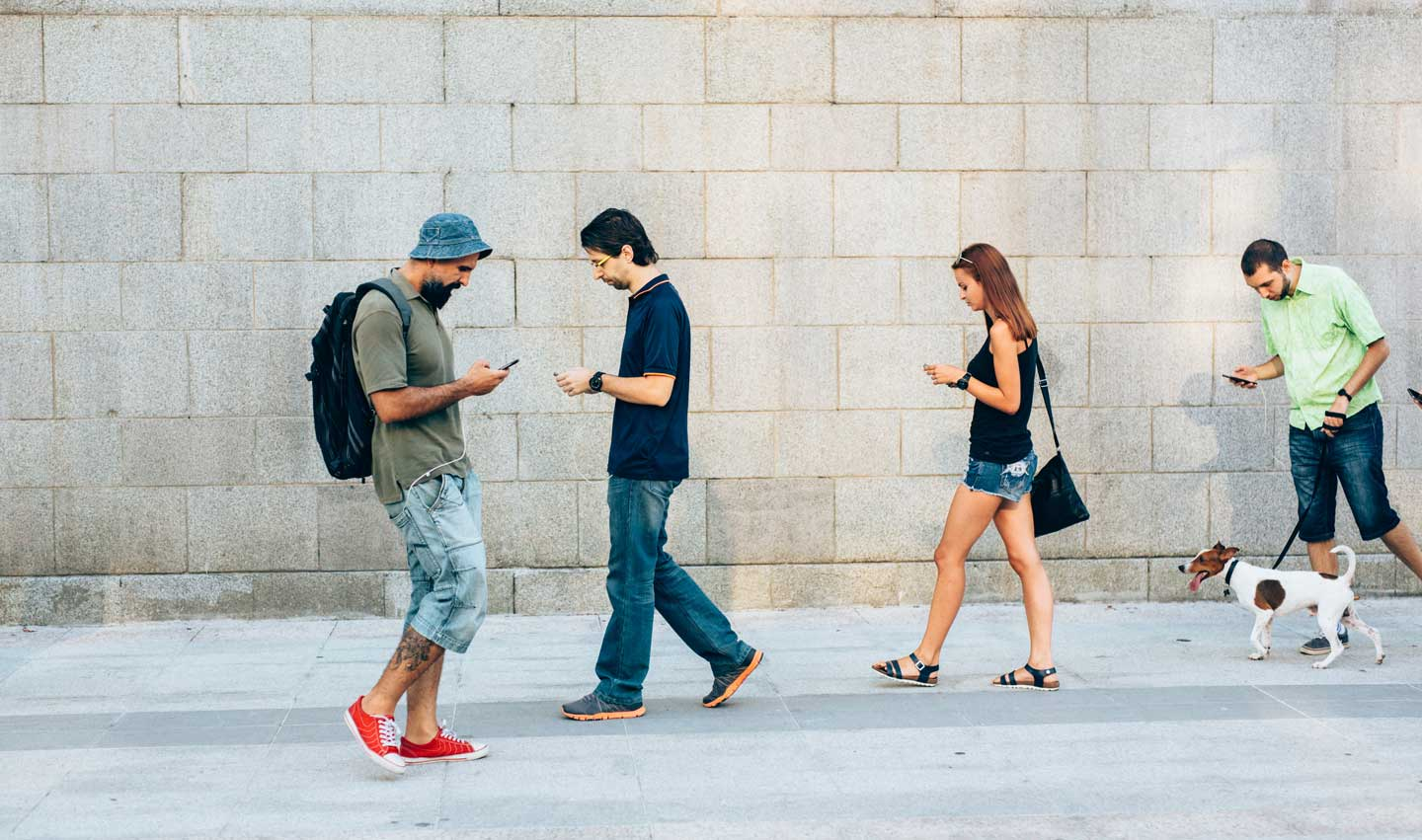 Honolulu Bans Distracted Walking text tax