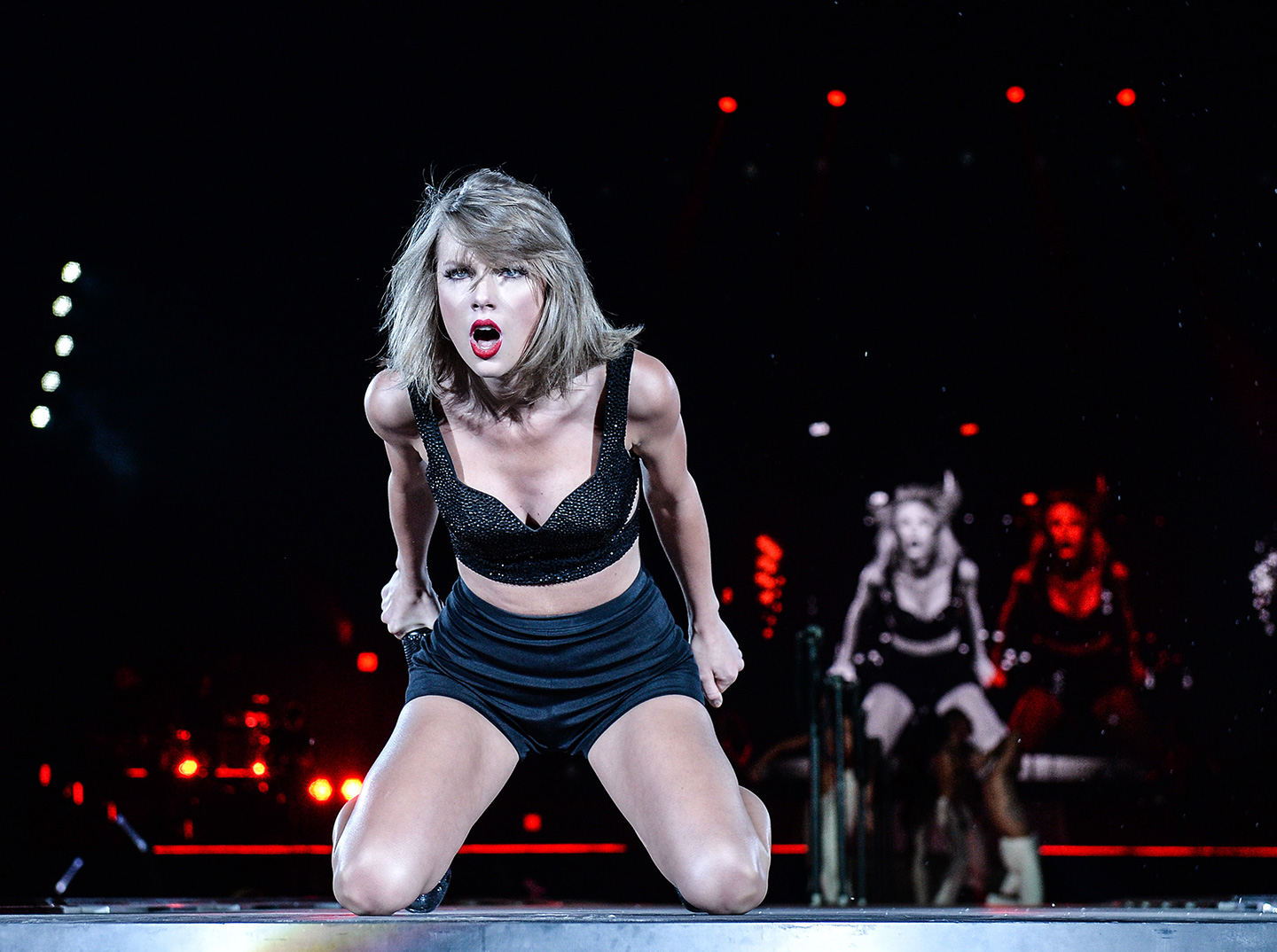 Taylor Swift Wins Case Against DJ Accused of Groping Her