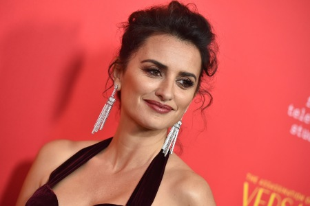 Actress Penelope Cruz attends the Los Angeles Premiere of 'The Assassination of Gianni Versace: American Crime Story' at ArcLight Hollywood on January 8, 2018 in Hollywood, California.  (Photo by Axelle/Bauer-Griffin/FilmMagic)