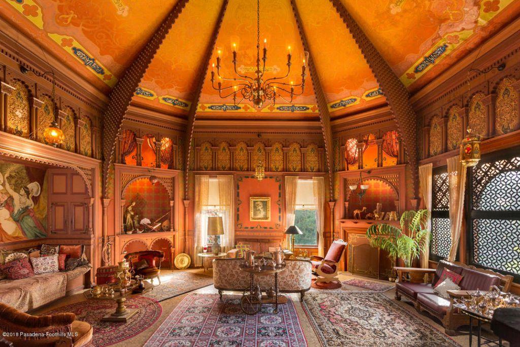 The McNally Estate in Altadena, California (Zillow)