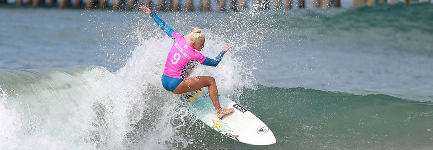Tatiana Weston-Webb in action during her semifinal heat at the Vans US Open of Surfing on August 6, 2017 in Huntington Beach, California. (Photo by Joe Scarnici/Getty Images)
