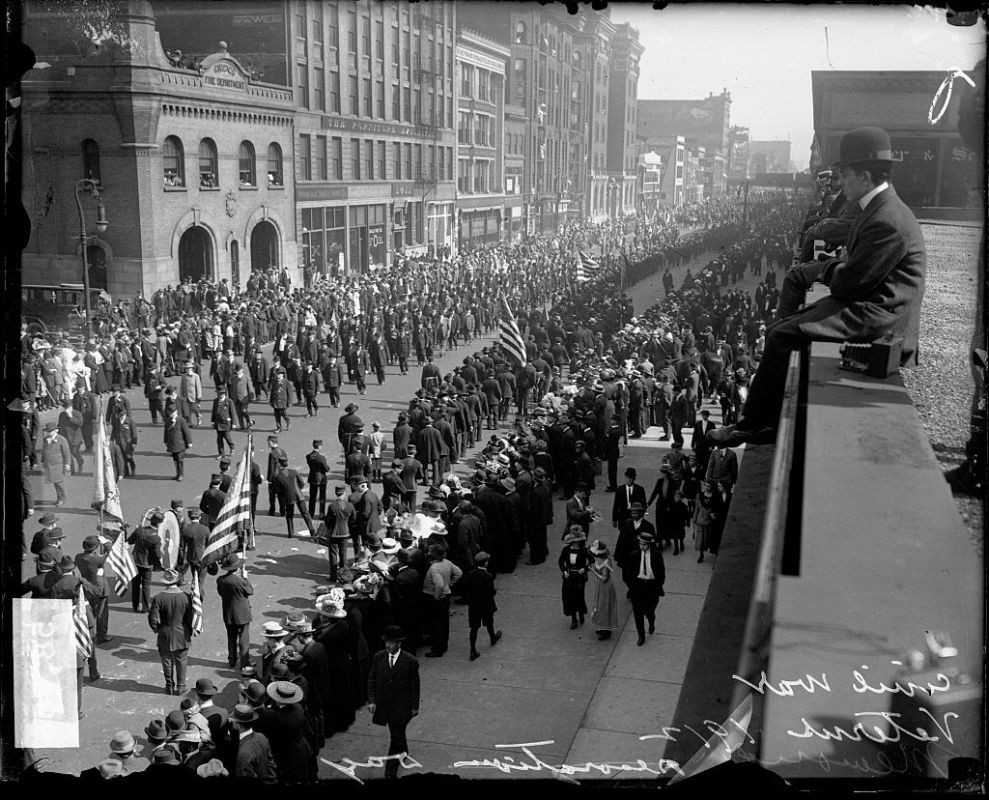 Civil War veterans marching in a Grand Army of the Republic Memorial Day parade along the 1400 block of South Michigan Avenue in the Near South Side community area, Chicago, Illinois, May 27, 1912. (Chicago History Museum/Getty Images)