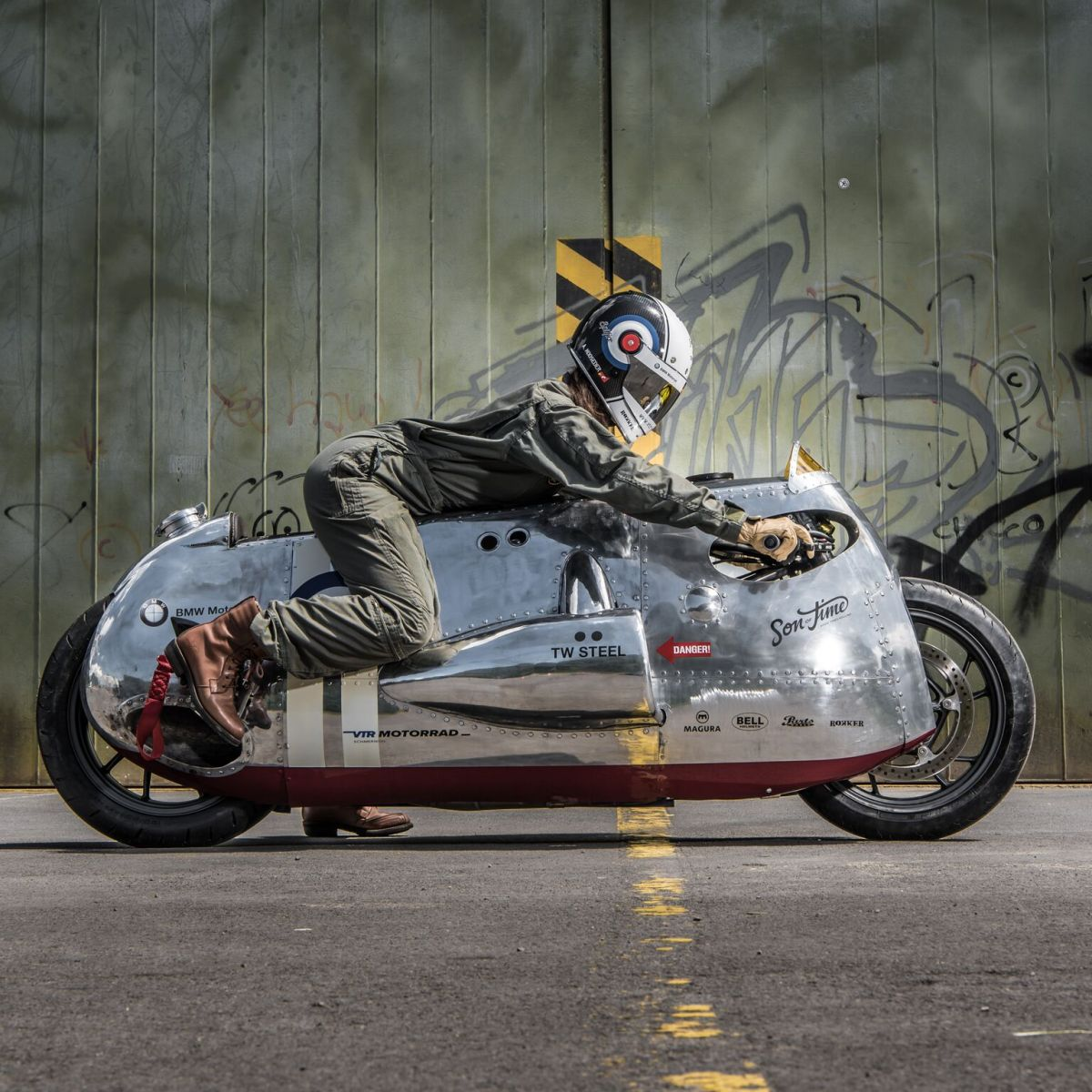The one-off Spitfire from BMW Motorrad and VTR Customs in Switzerland (Andri Margadant via www.photocab.ch)