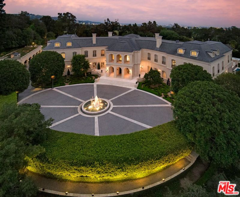Most Expensive House In La >> The Most Expensive Houses On The Market Right Now Insidehook