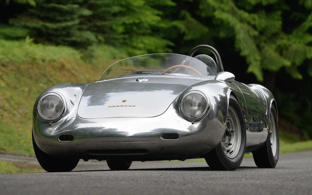 """The Prettiest of Porsche's """"Giant Killers"""" Is Hitting the Auction Block"""