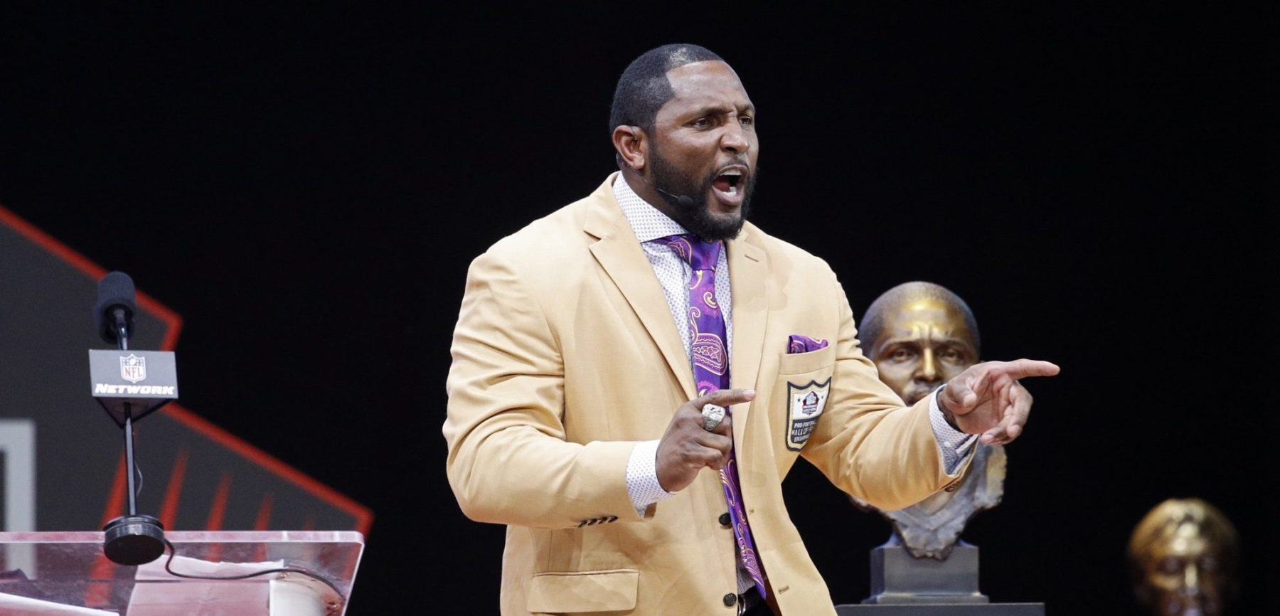 Ray Lewis speaks during the 2018 NFL Hall of Fame Enshrinement Ceremony at Tom Benson Hall of Fame Stadium on August 4, 2018 in Canton, Ohio. (Photo by Joe Robbins/Getty Images)