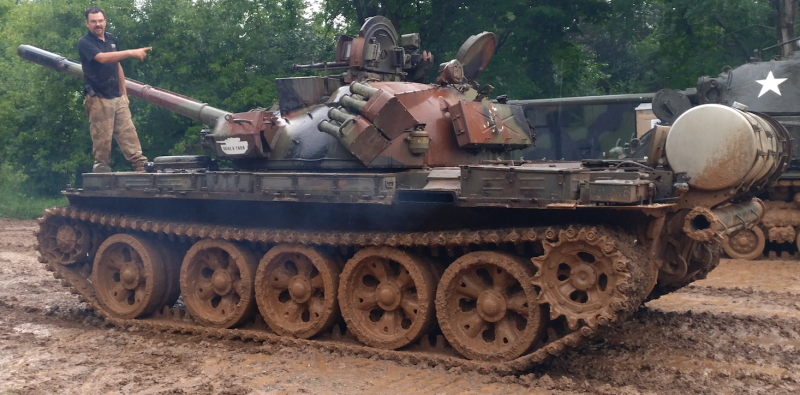 Drive A Tank >> I Learned To Drive A 36 Ton Tank In Less Than Five Minutes