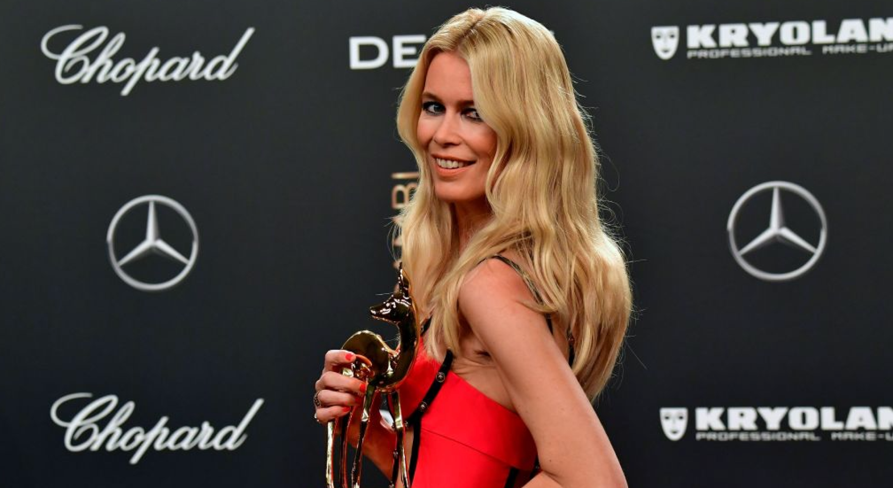 BERLIN, GERMANY - NOVEMBER 16: Claudia Schiffer during the Bambi Awards 2017 at Stage Theater on November 16, 2017 in Berlin, Germany. (Photo by Chris Palme/Getty Images)
