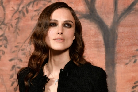 British actress Keira Knightley poses during the photocall before the Chanel Croisiere (Cruise) fashion show on May 3, 2017 at the Grand Palais in Paris. (AFP PHOTO / PHILIPPE LOPEZ/Getty)
