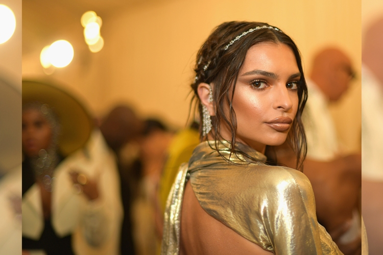 Emily Ratajkowski attends the Heavenly Bodies: Fashion & The Catholic Imagination Costume Institute Gala at The Metropolitan Museum of Art on May 7, 2018 in New York City.  (Photo by Matt Winkelmeyer/MG18/Getty Images for The Met Museum/Vogue)