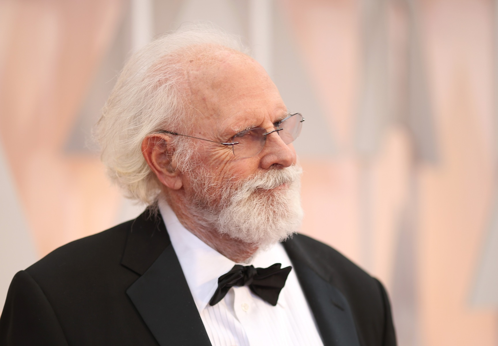 """Actor Bruce Dern attends the 87th Annual Academy Awards at Hollywood & Highland Center on February 22, 2015 in Hollywood, California. Dern will reportedly replace the late Burt Reynolds in Quentin Tarantino's upcoming """"Once Upon a Time in Hollywood."""" (Photo by Christopher Polk/Getty Images)"""