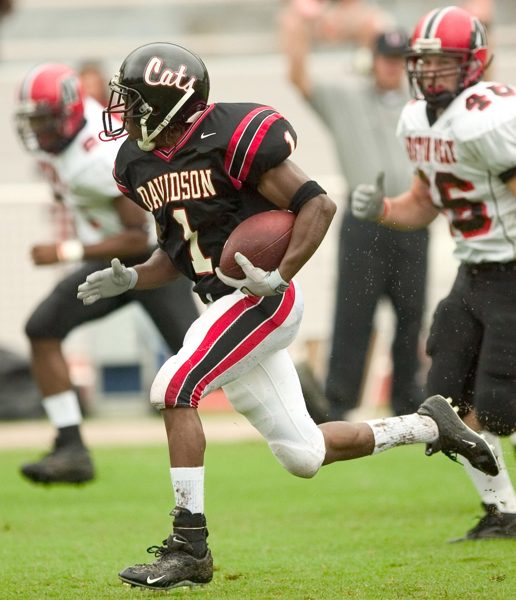Davidson WR Ryan Hubbard (#1) leaves the Austin Peay defense behind on his way to a 55-yard touchdown during first quarteraction at Stephen B. Smith Field in Davidson, NC, October 8, 2005. (Photo by Brian A.  Westerholt/Getty Images)