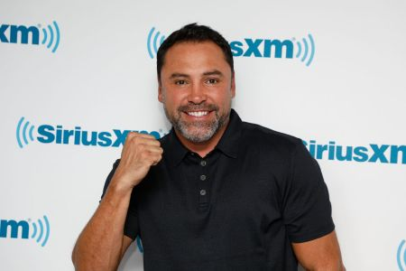 NEW YORK, NY - SEPTEMBER 06:  Oscar de la Hoya visits the SiriusXM Studios on September 6, 2017 in New York City.  (Photo by Taylor Hill/Getty Images)