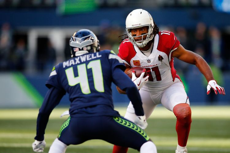SEATTLE, WA - DECEMBER 31:  Larry Fitzgerald #11 of the Arizona Cardinals against the Seattle Seahawks at CenturyLink Field on December 31, 2017 in Seattle, Washington.  (Photo by Jonathan Ferrey/Getty Images)
