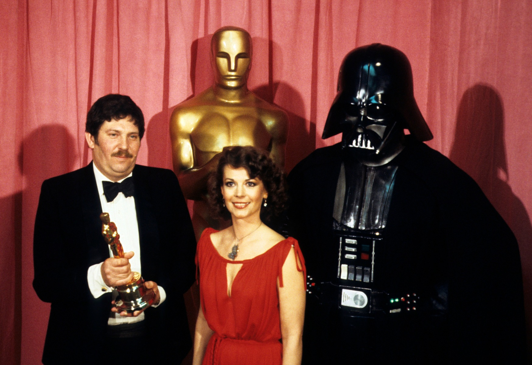 THE 50TH ANNUAL ACADEMY AWARDS - Show Coverage - Shoot Date: April 3, 1978. (Photo by ABC Photo Archives/ABC via Getty Images) JOHN MOLLO;NATALIE WOOD;DARTH VADER