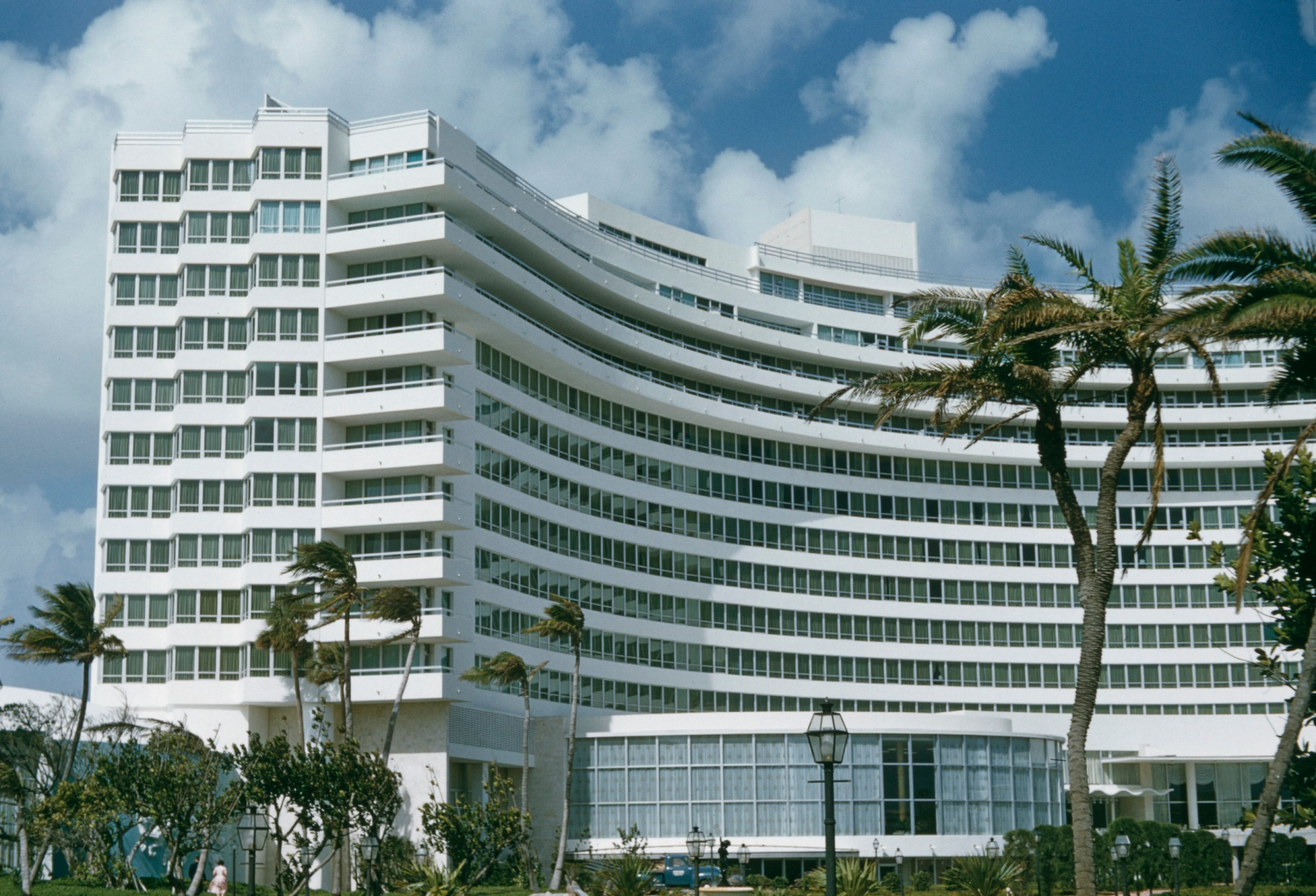 An exterior view of the Fontainebleau Miami Beach (aka Fontainebleau Hotel), Miami Beach, Florida, USA, circa 1960. The con man who impersonated Saudi Prince Khalid was working on a bid for a portion of the Fountainebleau before his arrest last year. (Photo by Archive Photos/Getty Images)