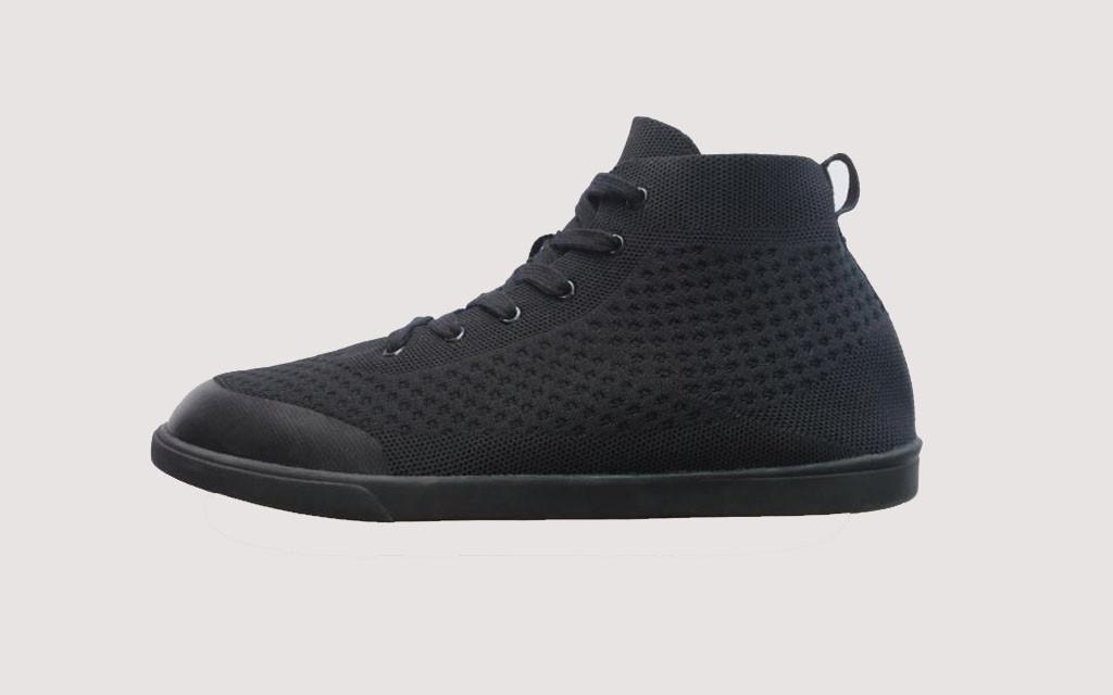 Suavs Sneakers