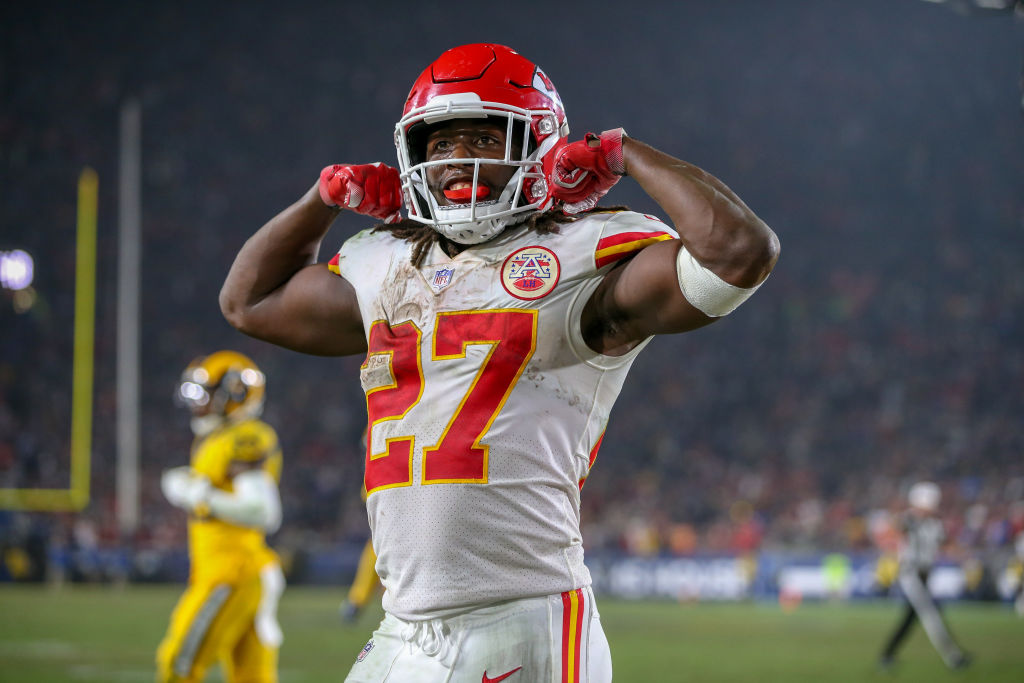 Kareem Hunt in a Nov. 19, 2018 game against the L.A. Rams (Jordon Kelly/Icon Sportswire via Getty Images)