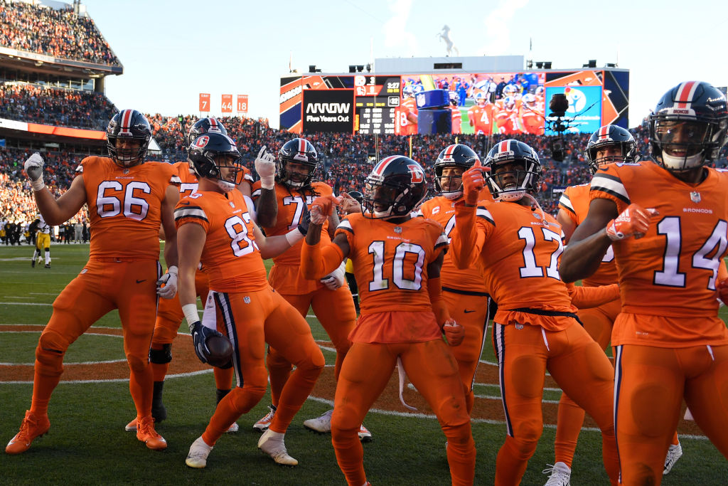 DENVER, CO - NOVEMBER 25: Denver Broncos tight end Matt LaCosse #83 and the offense celebrate his touchdown making the score 9-3 during the second quarter. The Denver Broncos hosted the Pittsburgh Steelers at Broncos Stadium at Mile High in Denver, Colorado on Sunday, November 25, 2018. (Photo by Joe Amon/The Denver Post via Getty Images)