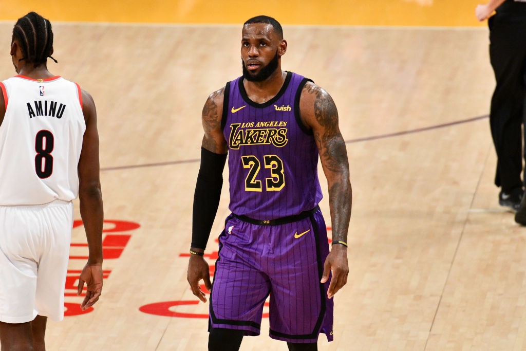 LOS ANGELES, CALIFORNIA - NOVEMBER 14: LeBron James passes Wilt Chamberlain on the all-time scoring list during a basketball game between the Los Angeles Lakers and the Portland Trail Blazers  at Staples Center on November 14, 2018 in Los Angeles, California. (Photo by Allen Berezovsky/Getty Images)
