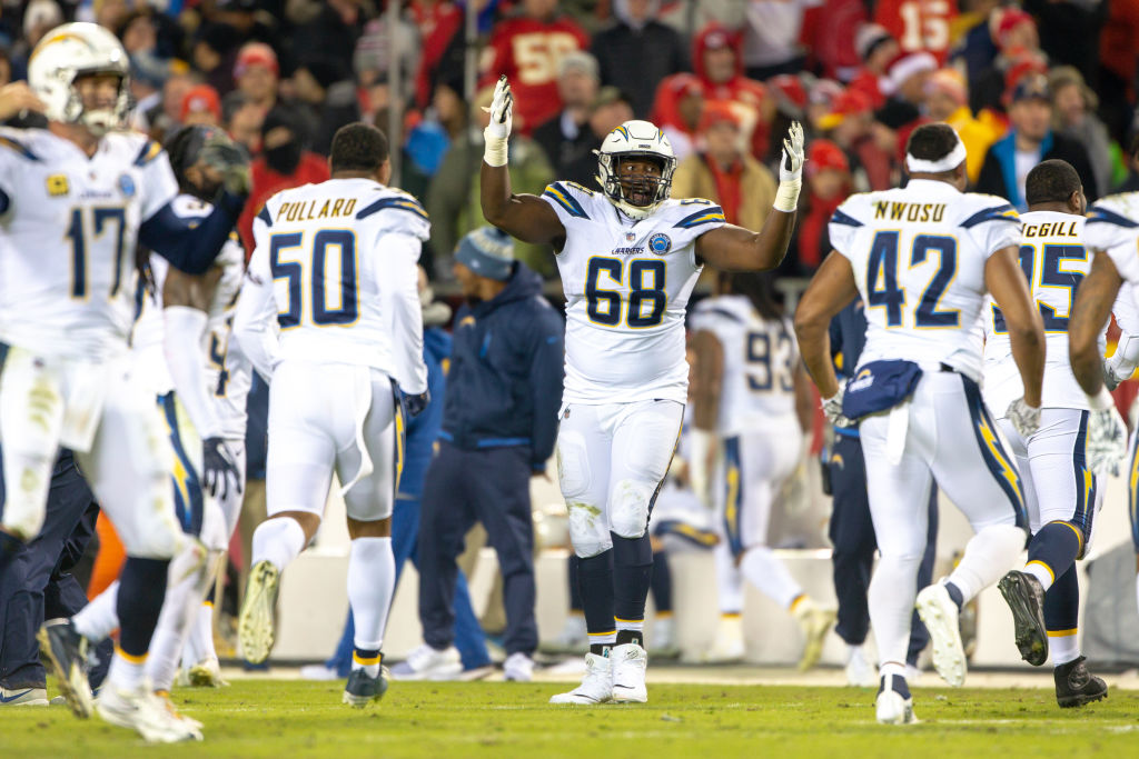 KANSAS CITY, MO - DECEMBER 13: Los Angeles Chargers tight end Virgil Green (88) celebrates after the NFL AFC West game against the Kansas City Chiefs on December 13, 2018 at Arrowhead Stadium in Kansas City, Missouri. (Photo by William Purnell/Icon Sportswire via Getty Images)