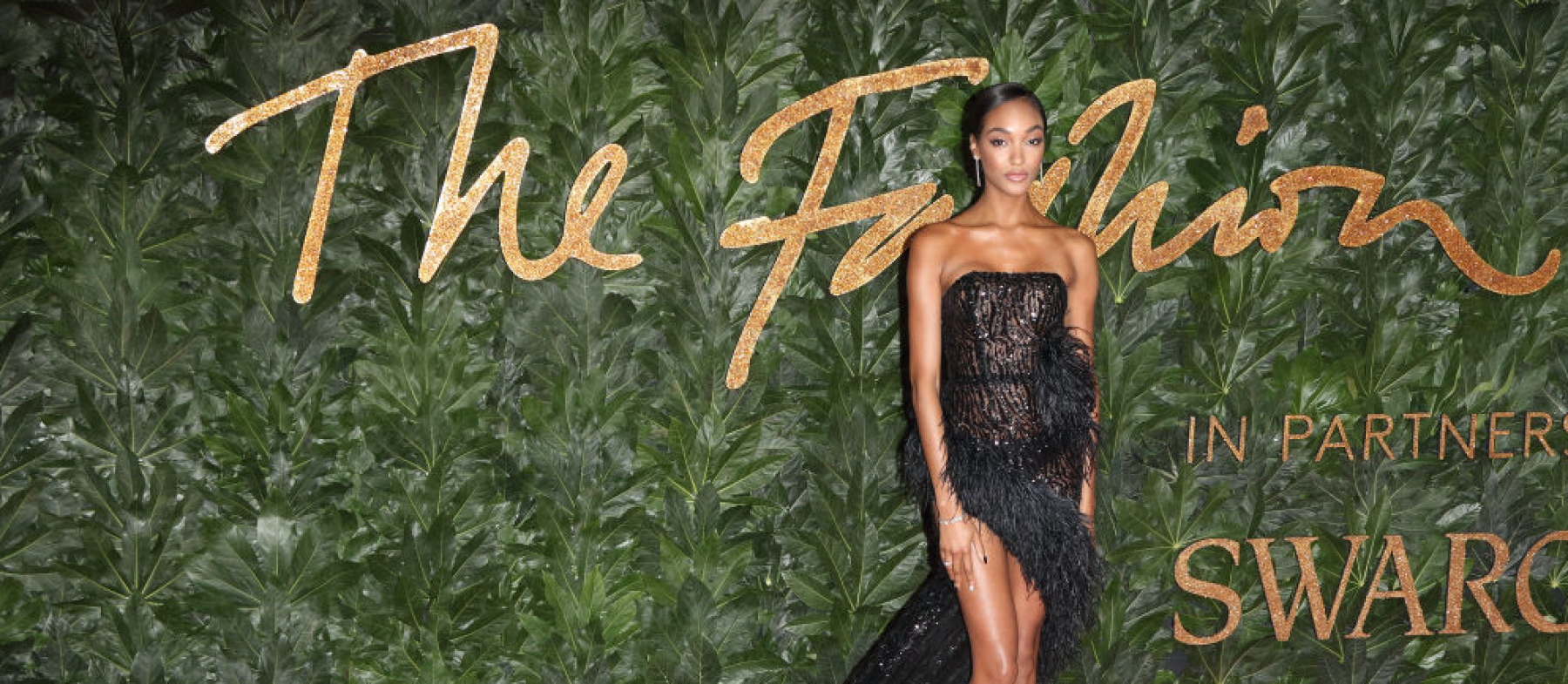 LONDON, -, UNITED KINGDOM - 2018/12/10: Jourdan Dunn seen on the red carpet during the Fashion Awards 2018 at the Royal Albert Hall, Kensington in London. (Photo by Keith Mayhew/SOPA Images/LightRocket via Getty Images)
