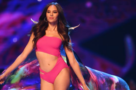 Catriona Gray of the Philippines competes in swimsuit during the 2018 Miss Universe Pageant in Bangkok on December 17, 2018. - Miss Philippines was crowned Miss Universe on December 17 in Bangkok after a trailblazing ceremony praised for featuring its first transgender candidate but marred by gaffes about the English-speaking ability of two Asian contestants. (Photo by Lillian SUWANRUMPHA / AFP) (Photo credit should read LILLIAN SUWANRUMPHA/AFP/Getty Images)