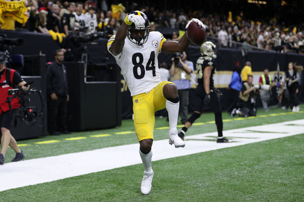 NEW ORLEANS, LOUISIANA - DECEMBER 23: Antonio Brown #84 of the Pittsburgh Steelers reacts after a touchdown against the New Orleans Saints during the second half at the Mercedes-Benz Superdome on December 23, 2018 in New Orleans, Louisiana. (Photo by Chris Graythen/Getty Images)