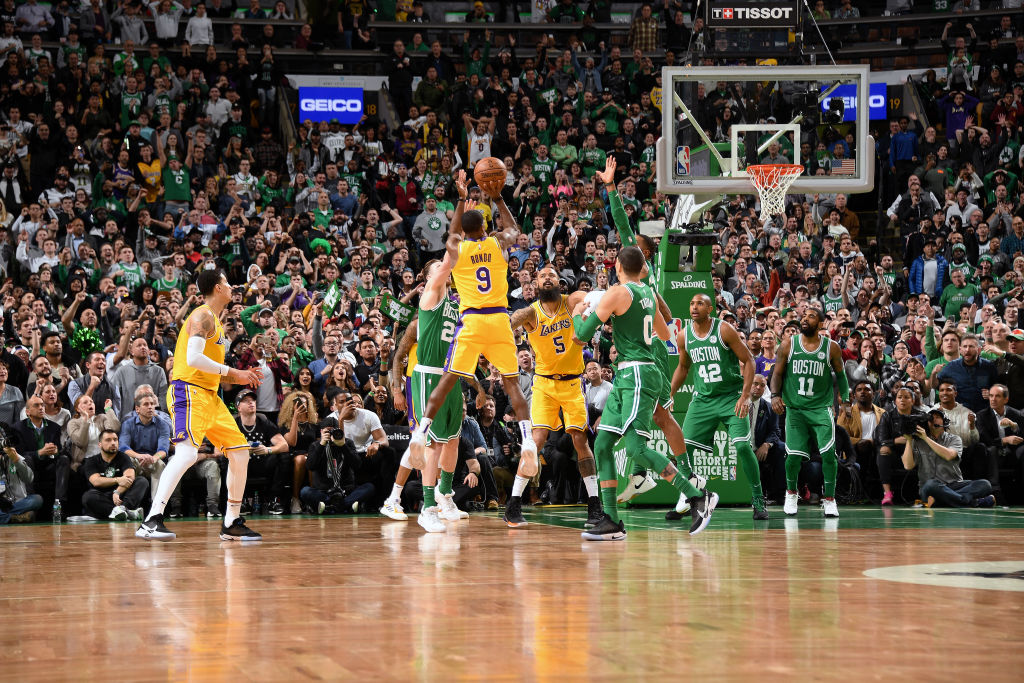 BOSTON, MA - FEBRUARY 7: Rajon Rondo #9 of the Los Angeles Lakers makes the game winning shot against the Boston Celtics on February 7, 2019 at the TD Garden in Boston, Massachusetts. NOTE TO USER: User expressly acknowledges and agrees that, by downloading and/or using this photograph, user is consenting to the terms and conditions of the Getty Images License Agreement. Mandatory Copyright Notice: Copyright 2019 NBAE (Photo by Andrew D. Bernstein/NBAE via Getty Images)
