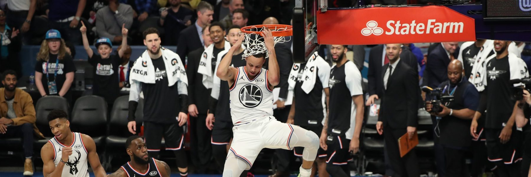 Stephen Curry #30 of Team Giannis dunks during the 2019 NBA All-Star Game on February 17, 2019 at the Spectrum Center in Charlotte, North Carolina. (Photo by Joe Murphy/NBAE via Getty Images)