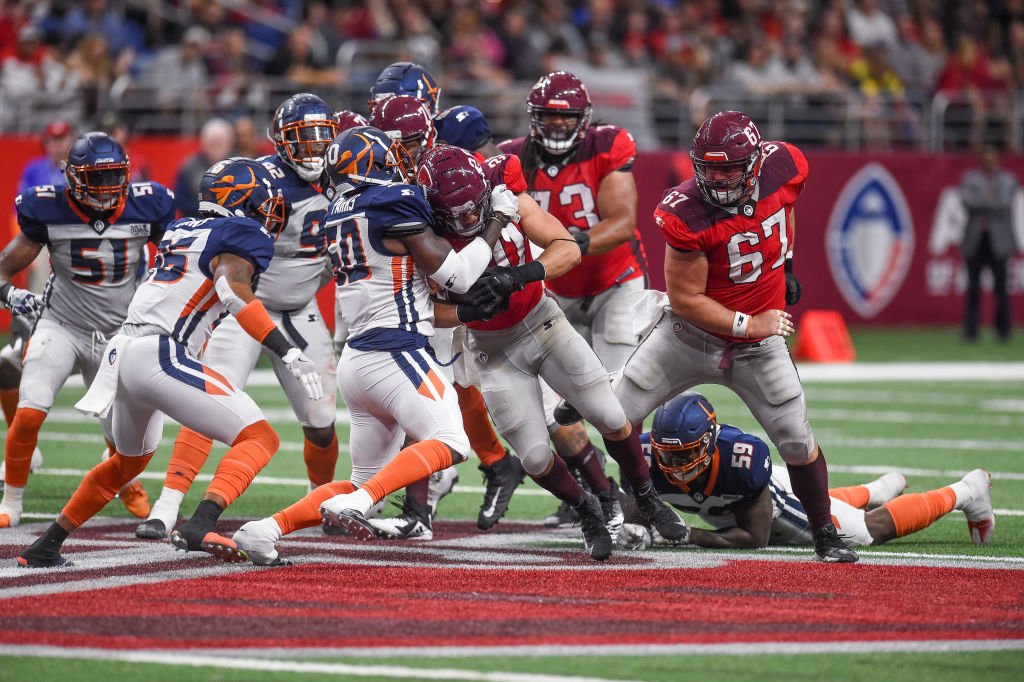 SAN ANTONIO, TX - FEBRUARY 17: Orlando Apollos linebacker Terrance Parks (50) tackles San Antonio Commanders running back Kenneth Farrow, II (20) during the AAF game between the Orlando Apollos and the San Antonio Commanders on February 17, 2019 at the Alamodome in San Antonio, Texas. (Photo by Daniel Dunn/Icon Sportswire via Getty Images)