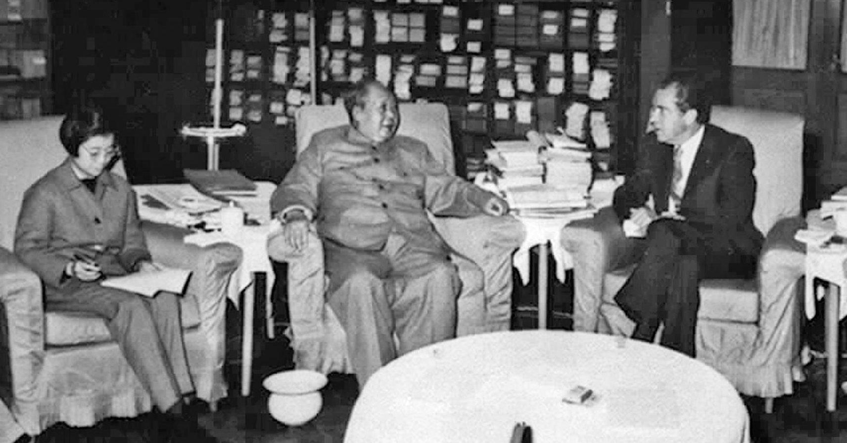 Chairman Mao Zedong and US President Richard Nixon met for talks on Feb.21, 1972. (Sovfoto/UIG via Getty Images)