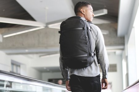 Travel Smarter With These Two Good-Looking Bags
