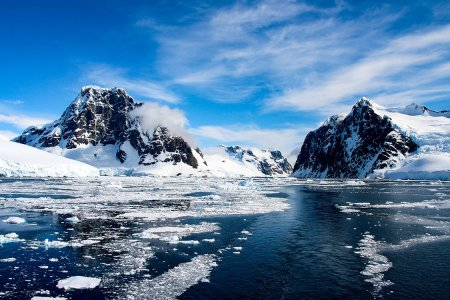 Look, It's a Cruise. But It's New, and It's Antarctica.