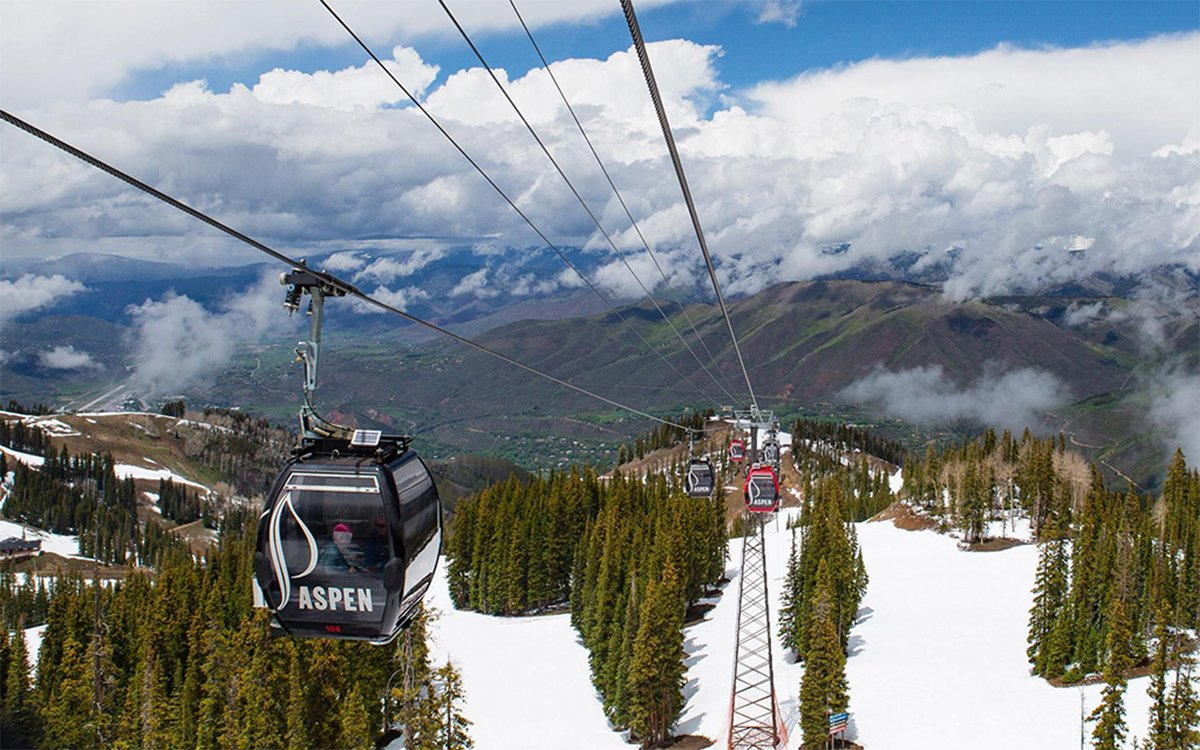 Skiing in Aspen Will Never Be This Cheap Again