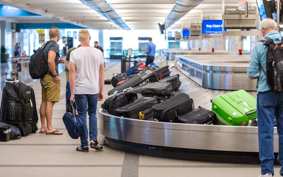 Bags Arrive Late? Airlines Are Gonna Pay for That. Literally.