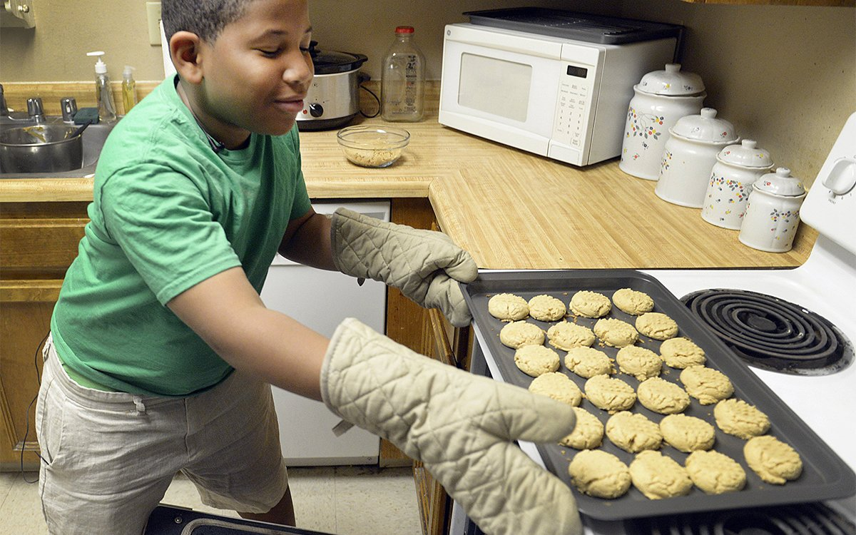 World's Most Enterprising Eight-Year-Old Opens Bakery to Help Single Mom