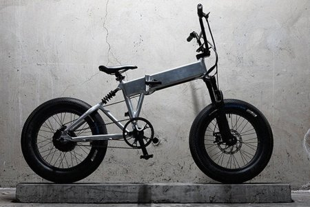 What Happens When You Cross a BMX and Fat Bike, Then Add Electricity
