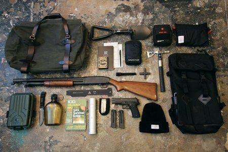 45 Items Every Bugout Bag Needs
